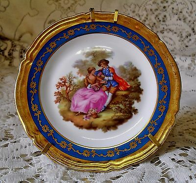 LIMOGES COURTING COUPLE 11cm MINIATURE DISPLAY PLATE WITH STAND MADE IN FRANCE