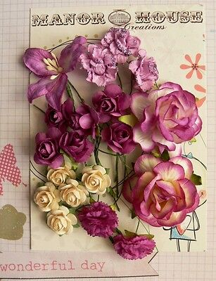 16 ROSES, 2 CARNATIONS & 1 LILLY - 19 Flowers PURPLE & CREAM - PAPER 15-45mm H2