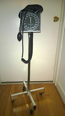 Tycos Sphygmomanometer Rolling Stand  W/adult Cuff & Bulb Blood Pressure