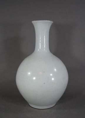 Antique Korean White Porcelain Bottle Chosen Joseon 10 Inch
