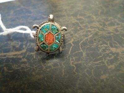 Vintage size 6 3/4 turtle shaped ring with inlaid turquoise and coral