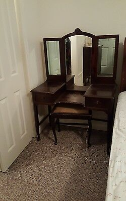 Stomps Burkhardt Vintage Vanity/Dressing Table w/Bench Dark Wood Clam Shell