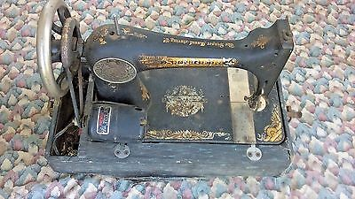 Vintage Singer Sewing Machine UV 625 For Parts OR Not Working