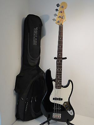 2004  Fender Jazz Bass Standard Guitar - Black with White Pickguard - MiMexico