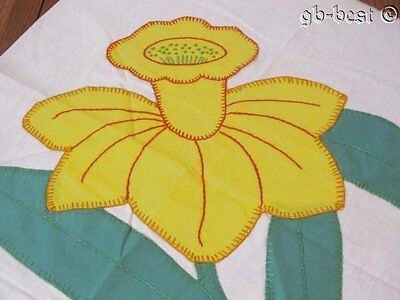 Cottage c 1930s Yellow daffodil APPLIQUE Vintage Quilt Block MAKE a pillow