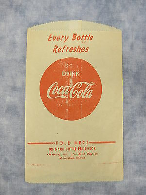 Unused 1930's 'Every Bottle Refreshes' Drink Coca-Cola Dri-Hand Bottle Protector
