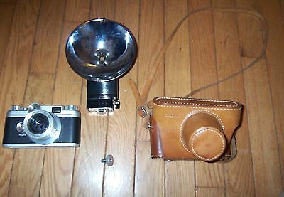 Argus  C-44 C Forty Four 35mm camera 50mm lens clean with case and flash