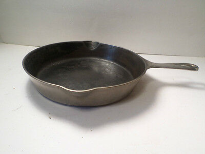 Vintage Griswold 8 Cast Iron Skillet 704L With Fire Ring Chrome Or Steel Color