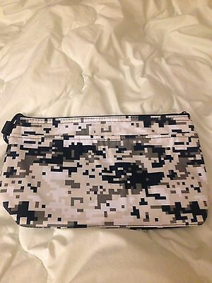31 Gifts New Camo Thermal Pouch