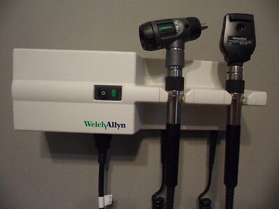 Welch Allyn 767 Transformer Otoscope 23810 & Ophthalmoscope 11720 Diagnostic Set