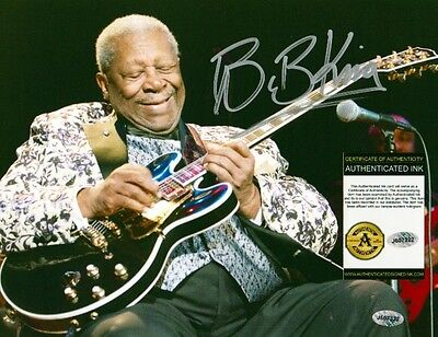 B.B. KING Signed Autographed 8.5x11 Photo w/ COA - NO RESERVE!