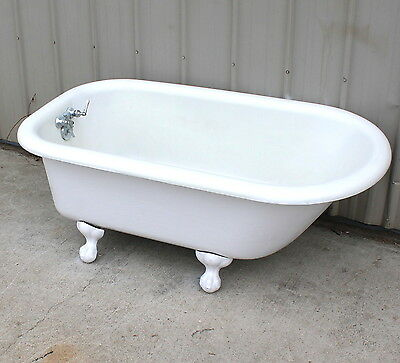 Rare To Find 4 1/2 Foot Claw Foot Cast Iron Bath Tub