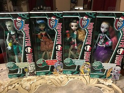 Monster High doll lot~ 17 Dolls NEW in the Box