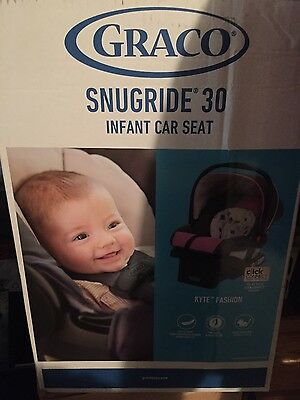 Graco SnugRide 30 Click Connect  Car Seat with base - Kyte