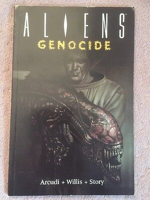 ALIENS GENOCIDE GRAPHIC NOVEL 1st EDITION PAPERBACK (ISSUES)