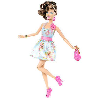 2011 BARBIE FASHIONISTAS CLUTCH Wave 1 TERESA DOLL #W3897 ~Fully Poseable~ NEW