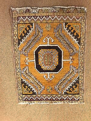 antique  hand knotted rug very rare old Great condition