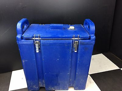 Cambro Blue Insulated Hot Or Cold Carrier 350LCD