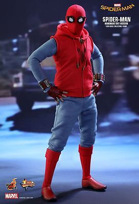 Hot Toys MMS414 Homecoming Spider-Man (Homemade Suit Version 1/6 Action Figure