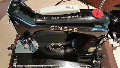 Vintage Singer Black 99K Featherweight Sewing Machine With Case