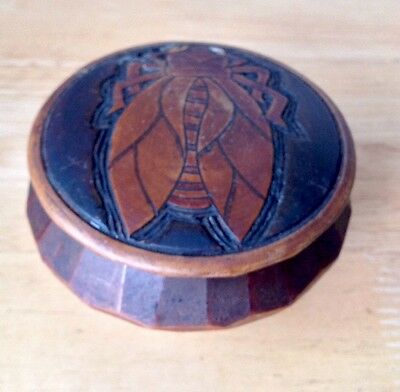 Antique Treen Table Snuff Box/carved Bee Lid - Fluted Design Wooden Box - £15.00