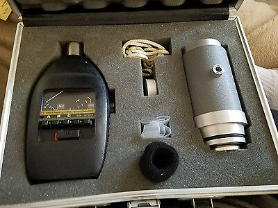 GR General Radio 1565-B and 1562-A Sound Level Meter & Calibrator in Case