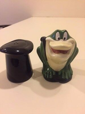 Warner Brothers 1995 Michigan J. Frog Top Hat Salt and Pepper Shakers #G605
