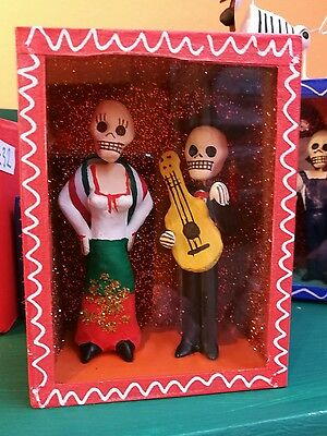 Mexican Day of the Dead Diorama Box Skeleton figures Mariachi and Mexican Woman