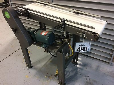 "Adjustable Height Inclined Belt Conveyor 12""W x 39""L Air Height Adjust 1/3hp gea"