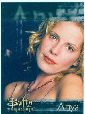 Buffy TVS The Story Continues Shattered Chase Card S9