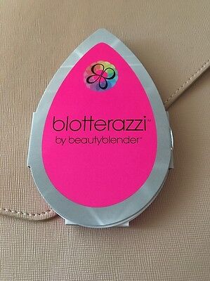 Beauty Blender Blotterazzi sample