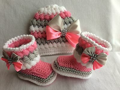 hand knitted  baby bir booties hand knitted hat 0-3 months