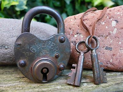 Antique Vintage Padlock with two keys, working order, hobby, collector 06