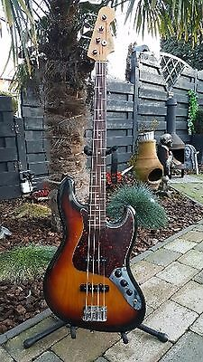 Fender Jazz Bass 1962 reissue JV Japan Vintage 1982 very Early !!!.