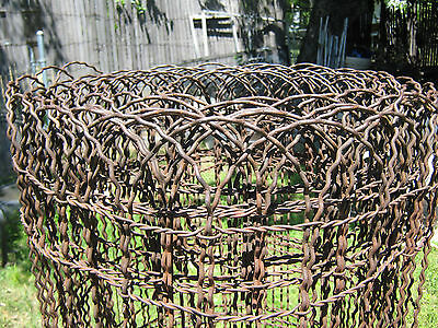 Vintage Sculpted Woven Wire Trellis Fencing Fence  25 Foot