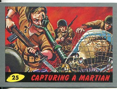 Mars Attacks Heritage Silver Parallel Base Card #25    Capturing a Martian