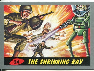 Mars Attacks Heritage Silver Parallel Base Card #24    The Shrinking Ray