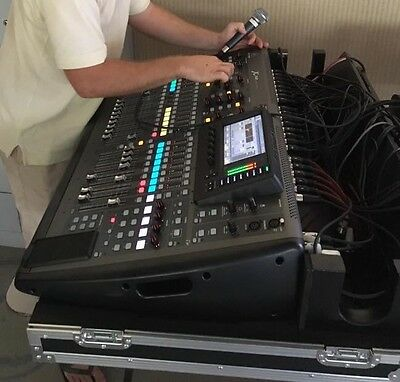 BEHRINGER X32 MIXER CASE WITH DOG BOX AND WHEELS (road case only)