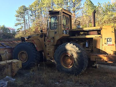 1982 980C Caterpillar Loader with 12 Yard bucket
