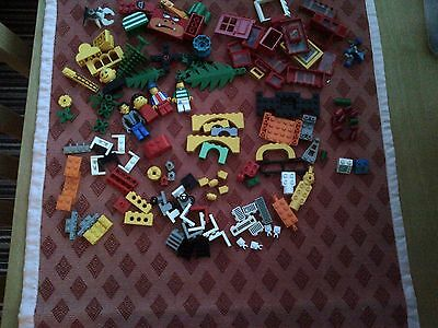 Lego Mixed Bundle 1.3Kgs including people and bases