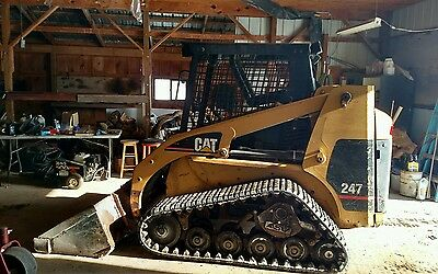 CAT 247 Tracked rubber tracks SKIDSTEER  SKID STEER LOADER w/ heat