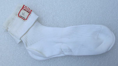 Crepe nylon girls ankle socks Vintage 1960s UNUSED childrens school uniform