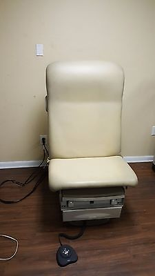 Ritter Midmark Model 223 Power Exam Table Brand new upholstery