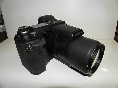 Olympus E-100 RS Digital Camera with fast shutter speed
