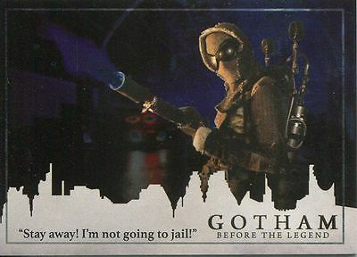 Gotham Season 2 Foil Parallel Base Card #23 ?Stay away! I?m not going to jail!?
