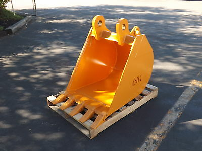 "New 24"" Case 580N Backhoe Bucket with Coupler Pins"