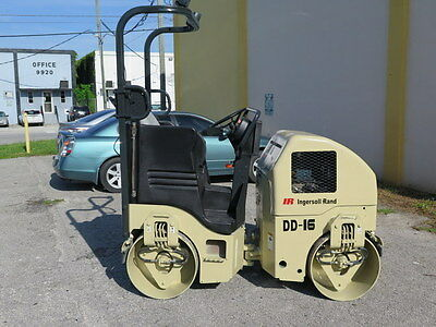 """Compactor Smooth 38"""" Drums Vibratory Roller 2004 Dd16 Ingersoll-Rand Diesel"""