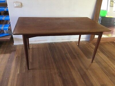 Parker dining table, retro, vintage, mid-century.
