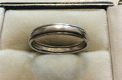 Superb Vintage Hallmarked Solid 950 Platinum Wedding Band Ring - UK Size Q