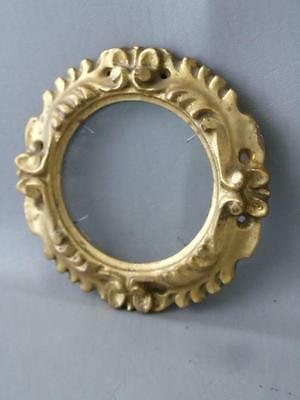 Antique Vtg Italian Florentine Gold Leaf Tole Round Wood Miniature Picture Frame